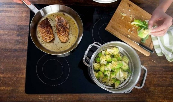How to use a steel frying pan?