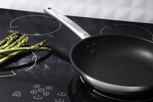Myths and facts about frying pans