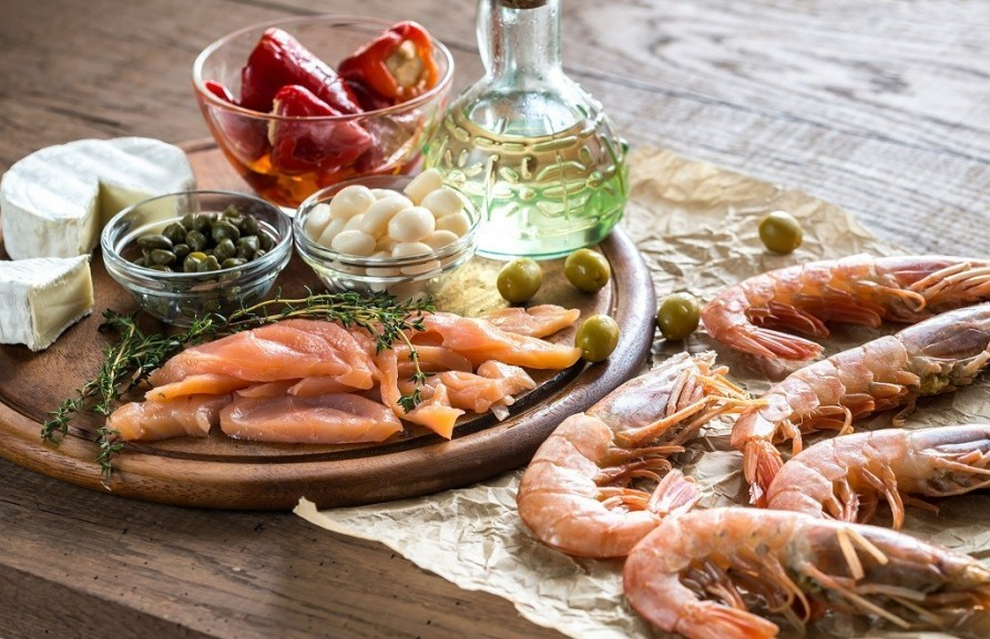Why should you try the Mediterranean diet?