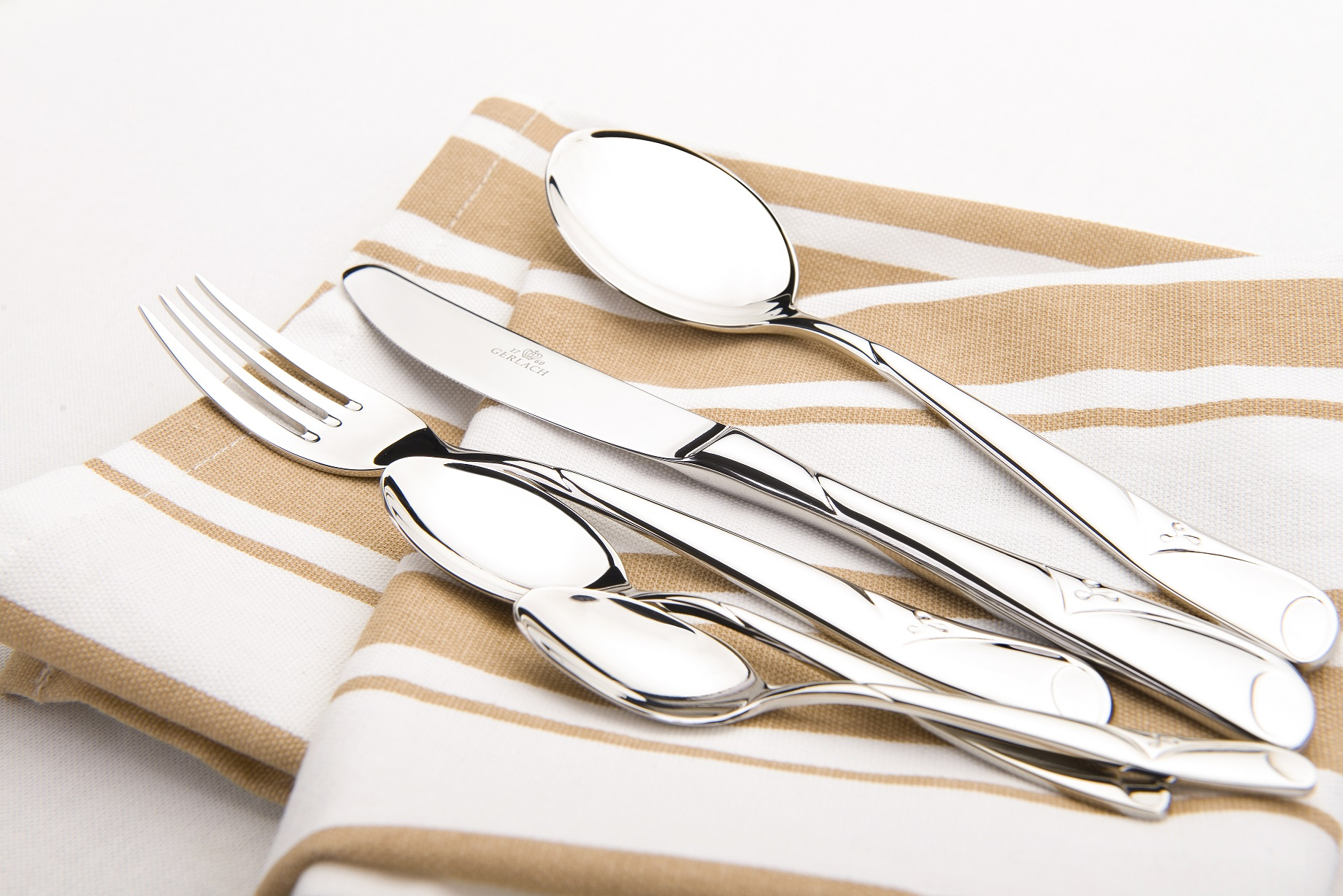 The Symfonia cutlery
