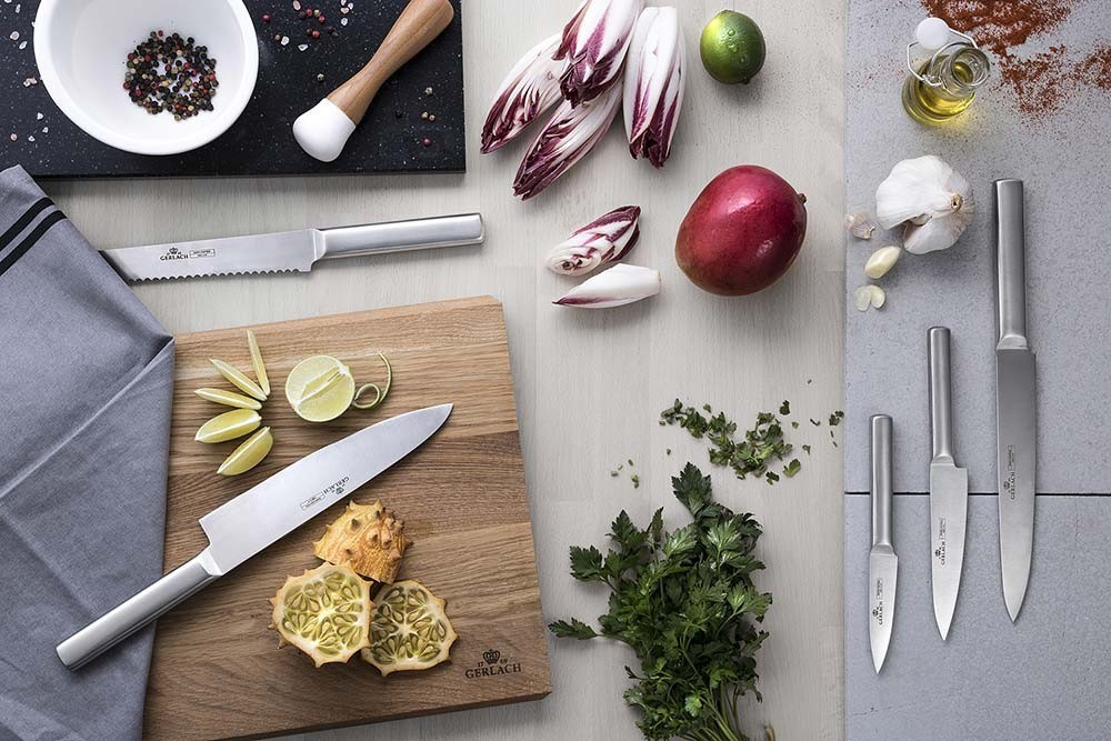 A set of AMBIENTE knives