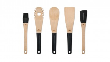 A wooden paddle – NATUR