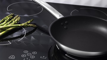 Frying pan with ceramic coating – SOLID