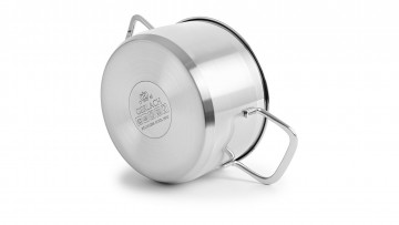 An 8-element set of pots – BRAVA + 3x Frying pan with ceramic coating - FIRST 20/24/28 cm